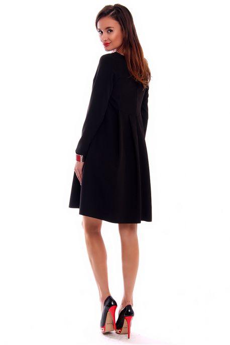 f4a13e54aabb Šaty sú vďaka svojmu dizajnu využiteľné na viacero príležitostí. Hodia sa  ako ľahké letné šaty na bežné nosenie