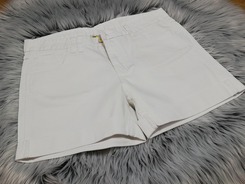 dámske šortky, riflové šortky, dámske riflové šortky, dámske krátke nohavice, biele šortky, biele riflové šortky